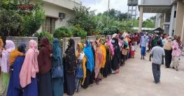 গণটিকাদানের প্রথমদিনে চুয়াডাঙ্গায় টিকা পেল ৬৫ হাজার মানুষ