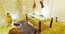 মহানবী (সা.)-এর ঘরবাড়ি ছিল প্রদর্শন ও অর্থহীন জৌলুসমুক্ত