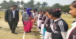 গাংনীতে মাসব্যাপী ছাত্রীদের ক্রিকেট প্রশিক্ষণ ক্যাম্পের উদ্বোধন