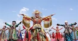 এক উৎসবেই চীনের সবকিছু